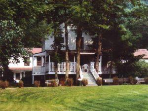 Cottage-at-Homestead-Farm-Resort-Back-Porch