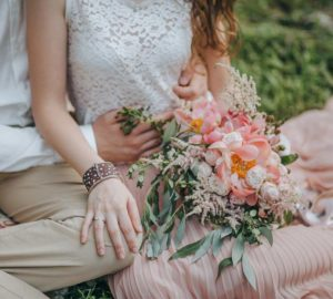 Romantic-Bride-Groom-with-Bouquet-Barn-Wedding-Venue-Catskills