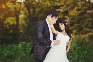 newlyweds catskill wedding venue in summer