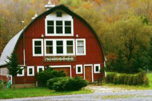 exterior-barn-wedding-venue