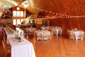 simple-decor-barn-wedding-venue