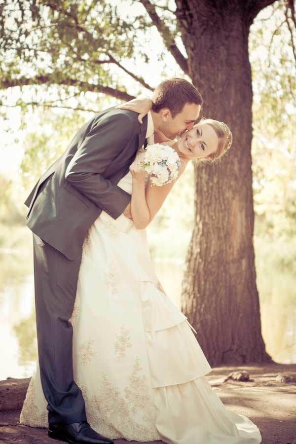 wedding-couple-homestead-farm-resort