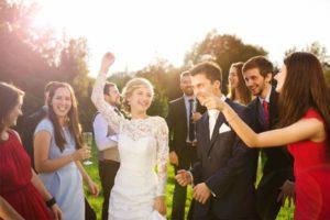 wedding-party-acting-dancing-barn-wedding-venue
