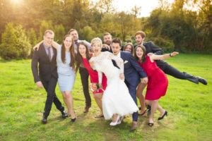 wedding-party-acting-silly-rustic-barn-wedding-venue